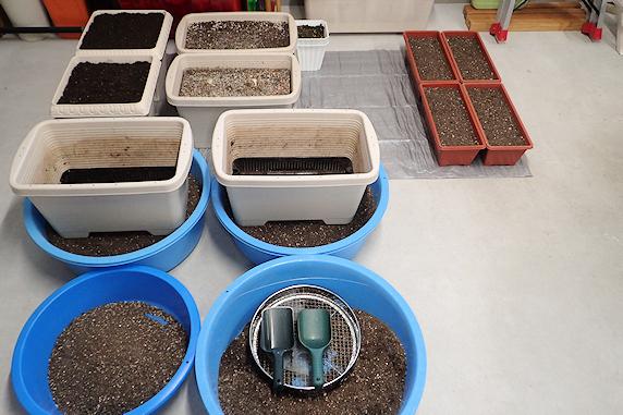 ベランダ菜園の土づくり